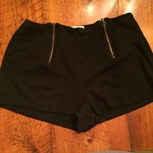 Monteau Black Stretch Zipper Shorts Size Large